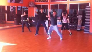 Zumba con Jared Cabrera - Moviendo Caderas (Yandel Feat. Daddy Yankee)