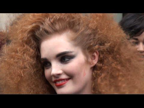 Fashion week paris 2016 2017 exit jean paul gaultier youtube - Acheter mariniere jean paul gaultier ...