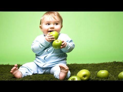 Как вывести пятно от яблока с детской одежды