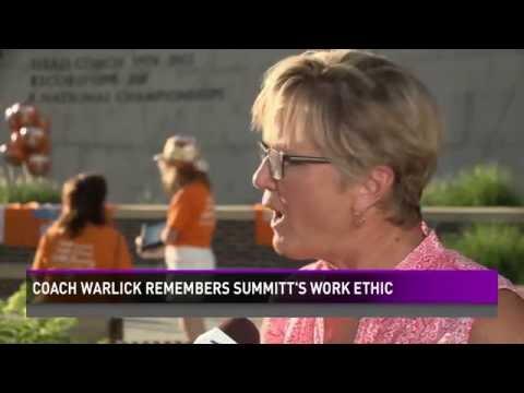 Coach Warlick remembers Pat Summitt