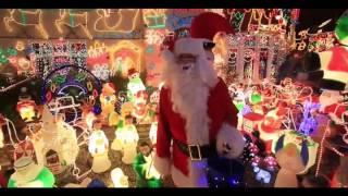 A Son's Gift: 180,000 Light Christmas House