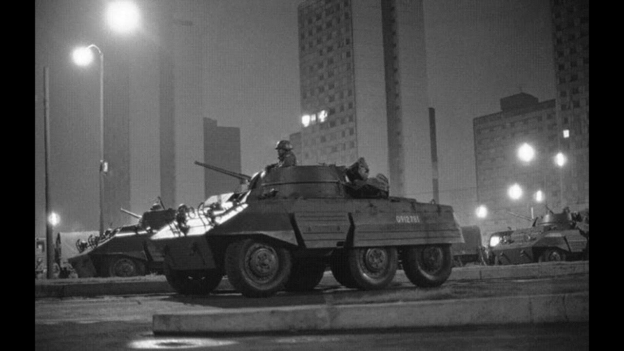 Tanques en mexico 1968 durante el moviemiento estudiantil for Criadero de cachamas en tanques