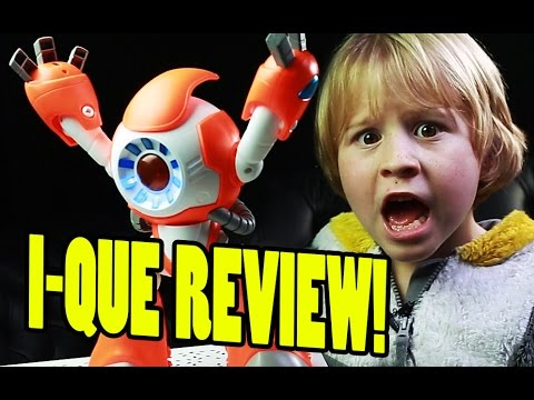I-QUE Intelligent Robot Review: Getting Eye-to-eye With I-QUE!  | Beau's Toy Farm