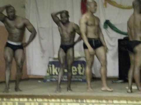 UFH Bodybuilders posing-Freeze is the challenger