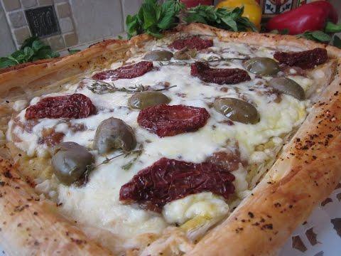 Рецепт- Луковый пирог с вялеными помидорами