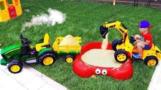 Сеня выбирает Трактор и Строит песочницу Для Детей