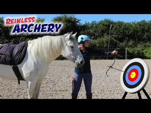 Horse Back ARCHERY - My first attempt Reinless!