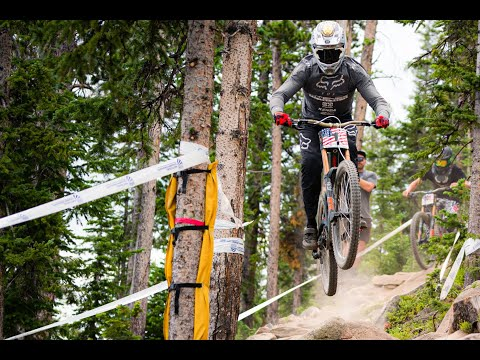 Video: Neko Mulally Defends His Sleeve at US National Champs