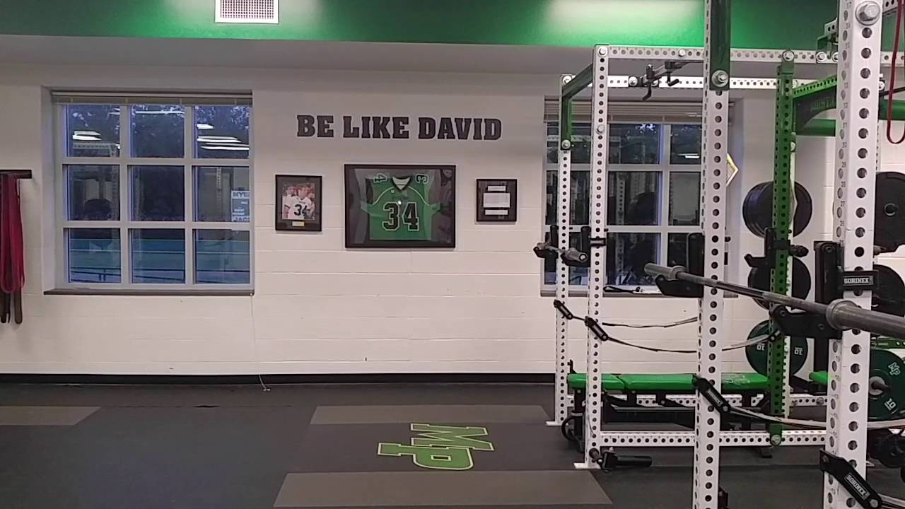 A Look At The Myers Park High School Weight Room YouTube - Weight room design