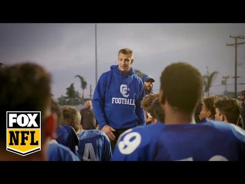 Rob Gronkowskisurprises the 10-0 Culver City High football team | FOX NFL