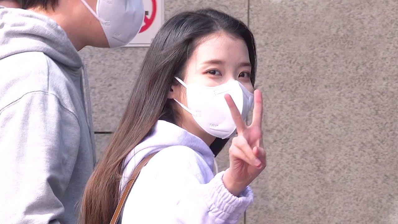 210330   '봄의 여신' 아이유 유스케 출근길 직캠 @ KBS 유희열의 스케치북