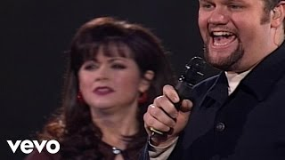 Candy Christmas, David Phelps - Jesus Saves [Live]