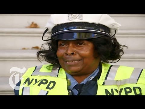 Meet Mentoria Hutchinson, NYPD's Dancing Traffic Cop | The New York Times