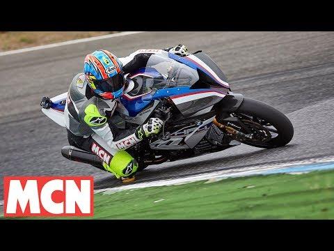 BMW HP4 Race Carbon Fibre Frame | First Ride | Motorcyclenews.com