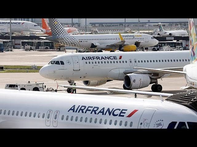 <h2><a href='https://webtv.eklogika.gr/gallia-archizoyn-tis-apergies-se-trena-kai-aerometafores' target='_blank' title='Γαλλία: Αρχίζουν τις απεργίες σε τρένα και αερομεταφορές!'>Γαλλία: Αρχίζουν τις απεργίες σε τρένα και αερομεταφορές!</a></h2>