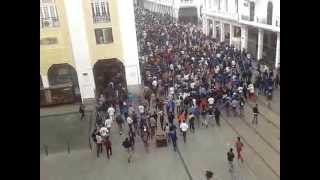 Repeat youtube video ڤيديو الرعب والإستفزازوالتخريب الذي أحدثه جمهورالجيش بالبيضاء casablanca 11 avril 2013