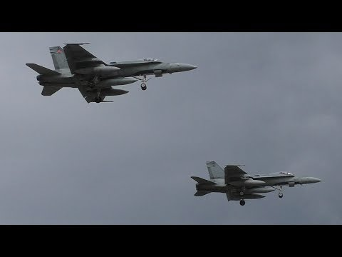 Two RCAF CF-18 Hornets Formation Landing at Calgary Airport ᴴᴰ