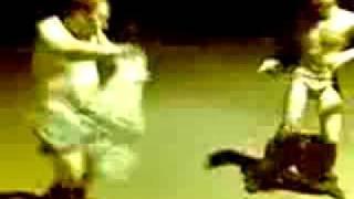 Бухарики танцуют тектоник(Учитесь, как нужно танцевать =))) Голый тектоник =), 2009-05-24T11:55:37.000Z)