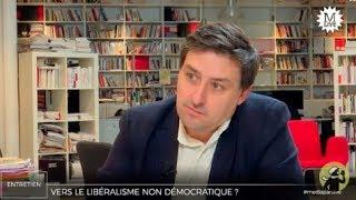 Le néolibéralisme de Macron implique le passage en force contre la société