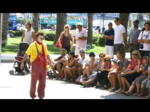 Clown Durilov - vol 1 - Barcelona street laugh attack Docume