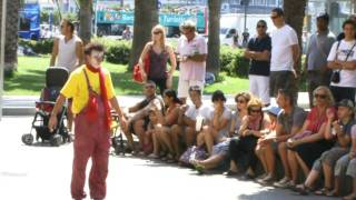 Clown Durilov - vol 1 - Barcelona street laugh attack Documentary Movie 西班牙街头小丑