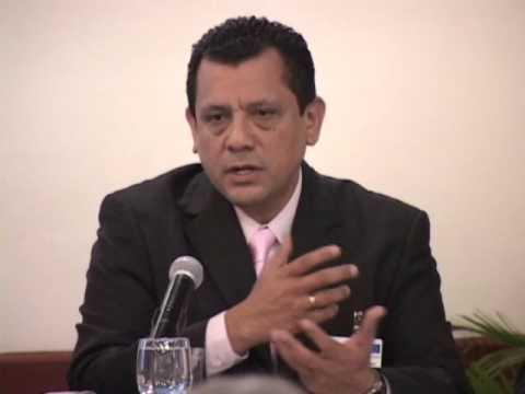 VICEMINISTRO DE COMERCIO  ROGER HERNÁNDEZ  EN CEPAL