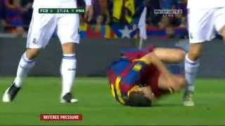 David Villa FAKE broken leg (Very Funny) in the 2011 Copa del Rey (Real Madrid vs Barcelona)