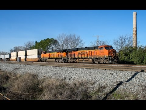 Morning Railfanning in Macon, GA: BNSF, Plenty of EMDs, + FRA Special
