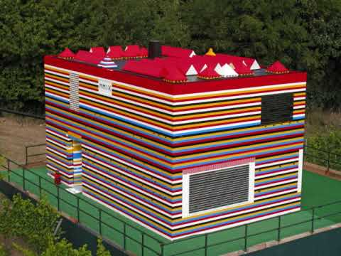 Construction of James May's Lego House