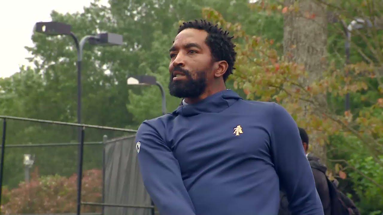 Ex-NBA guard JR Smith makes golf debut with North Carolina A&T