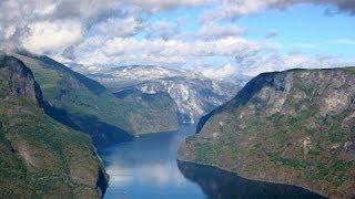 vlog: норвежские фьорды(Norwegian fjørds- вот такое видео у меня вышло, когда была свободная минутка:) Фьорд — узкий, извилистый и глубоко..., 2013-11-08T13:22:00.000Z)