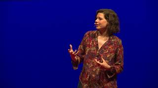 L'humain comme espèce portée | Natacha Butzbach | TEDxLaBaule