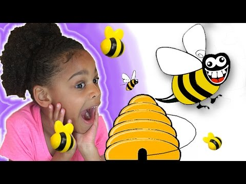 Family Fun Game For Kids! Honey Bee Tree with an Egg Surprise Toy