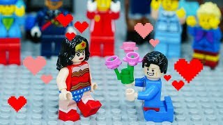 Lego Superhero Superman and Wonder Woman on Valentine