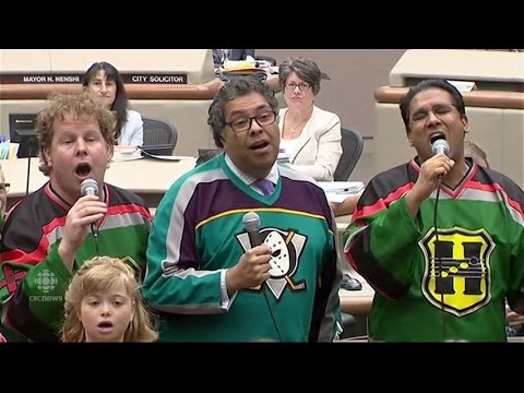 Mayor Nenshi sings 'Let It Go' after losing bet