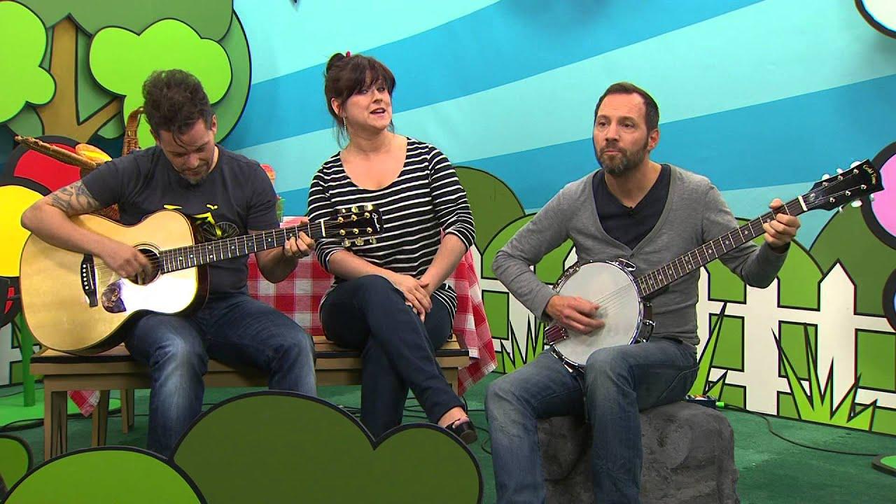 Marie laine thibert chante une souris verte youtube - Une souris verte singe ...