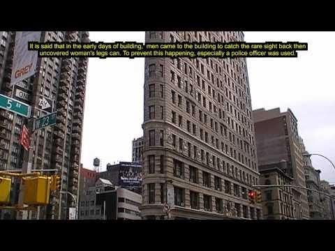 New York: Am Bügeleisengebäude fliegen die Röcke / Flying Skirts at Flatiron Building