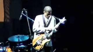 Stanley Jordan 2008 clip 1: intro