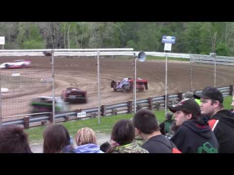 Hummingbird Speedway (5-20-17): Street Stock Heat Race #1