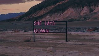 The 1975 - She Lays Down (preview)