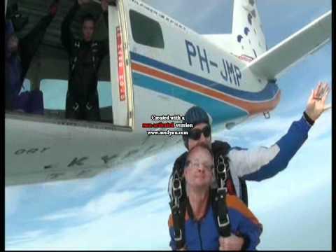 Skydive Ron en Mar