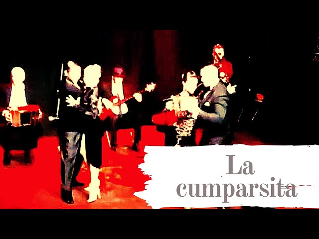 Disfruta ! Dos parejas bailando La Cumparsita con orquesta de tango . Espacio URDA