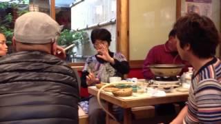 04/20[土曜)] 福島新地町・菅野夫妻を囲む昼食会にて。 今西太一さん 菅...
