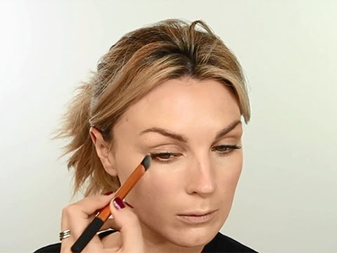 Real Techniques Concealer Brush Tutorial