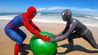 SPIDER-MAN vs VENOM | Battle on the beach (The Ball) | Comedy Funny Video screenshot 4