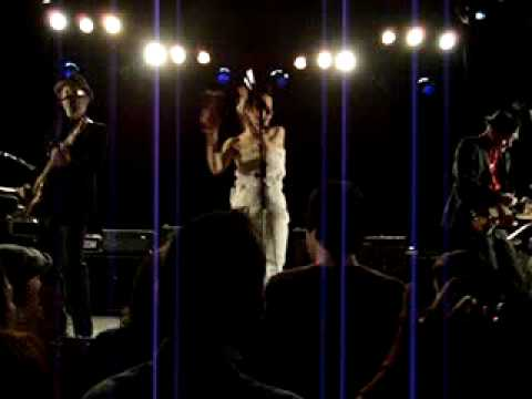 PJ Harvey & John Parish - False Fire (Live)
