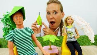 Барби и Кен на пляже. Головной убор своими руками.
