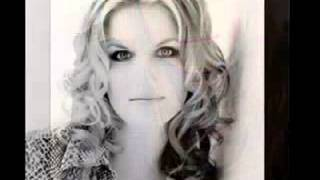 Watch Trisha Yearwood Under The Rainbow video