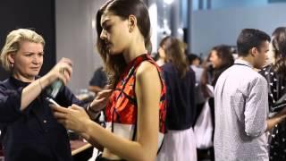 Paris fashion weekにて2015ssの Maison Rabih Kayrouz のバックステー...