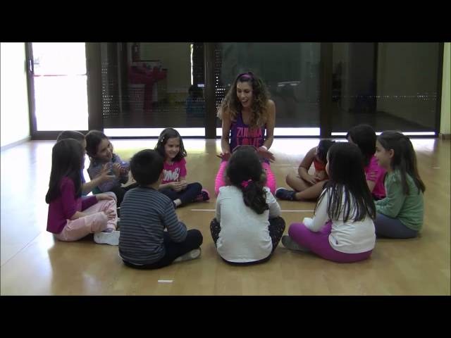 Zumba ® Kids Jr - (game) Pass the Bean Bag